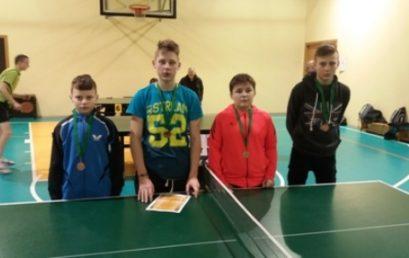 Stalo tenisininkų varžybos
