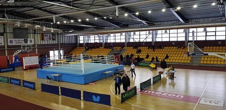 Telšių sporto arenoje kovojo boksininkai